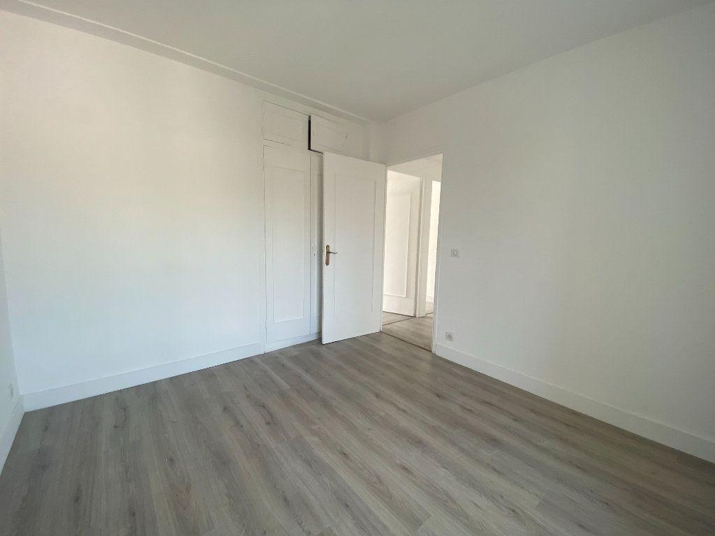 Appartement à louer 5 95.36m2 à Mouans-Sartoux vignette-14