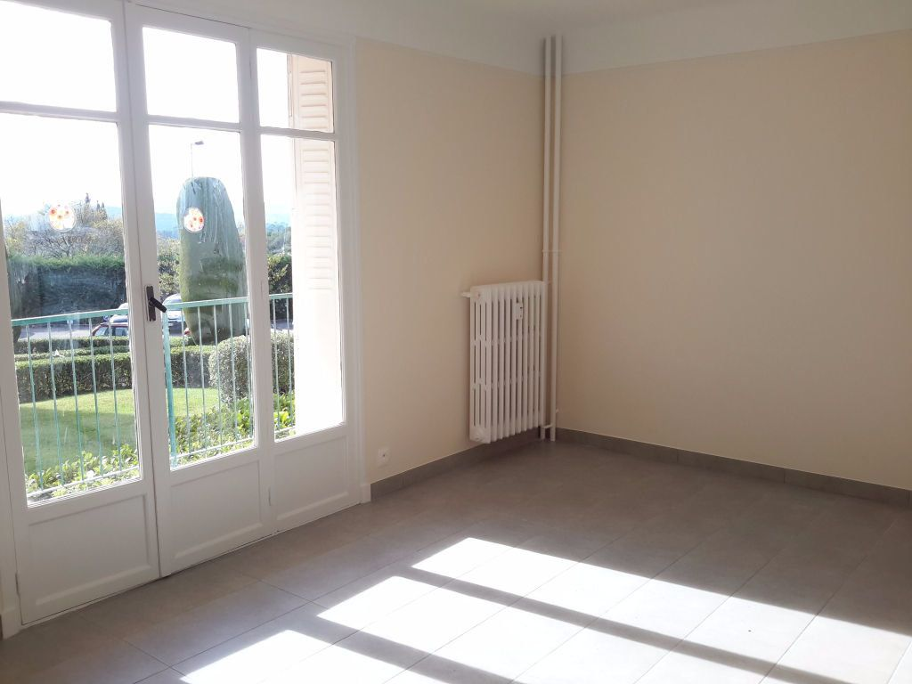 Appartement à louer 3 54.44m2 à Grasse vignette-1