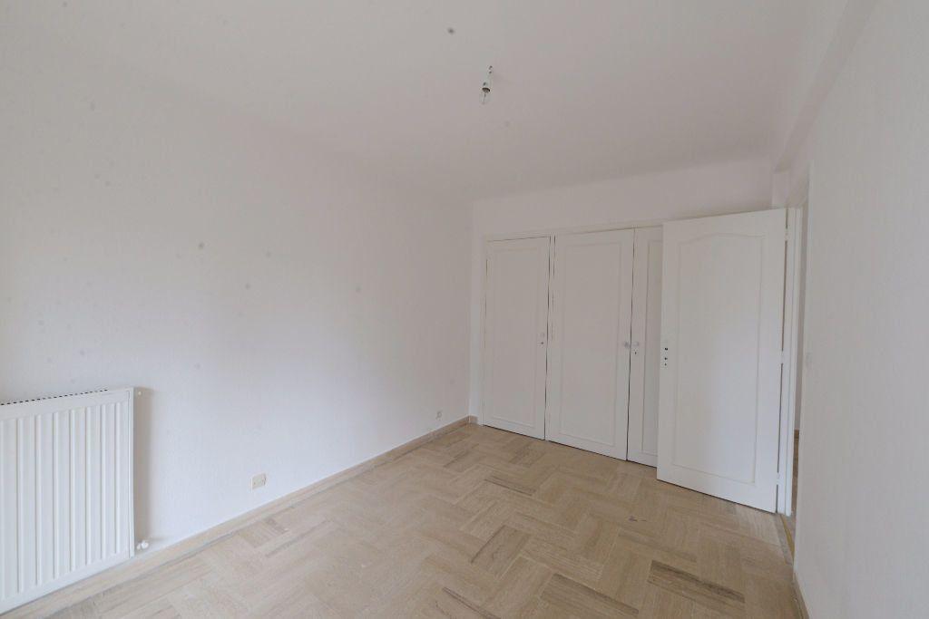 Appartement à louer 4 73m2 à Grasse vignette-3