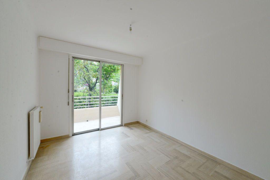 Appartement à louer 4 73m2 à Grasse vignette-5