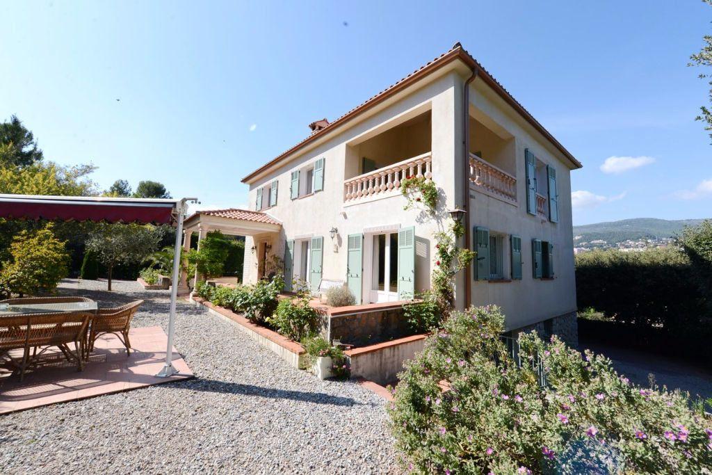 Maison à vendre 6 185.12m2 à Grasse vignette-1