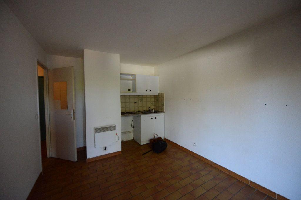 Appartement à louer 2 27m2 à Grasse vignette-2