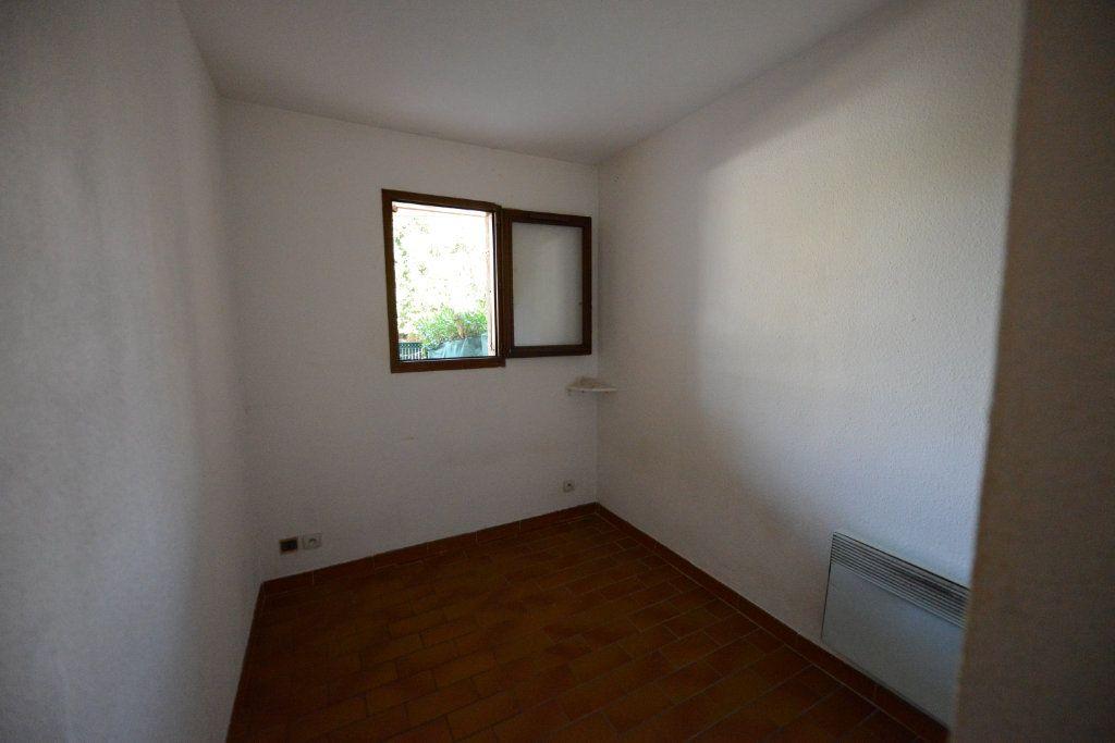 Appartement à louer 2 27m2 à Grasse vignette-4