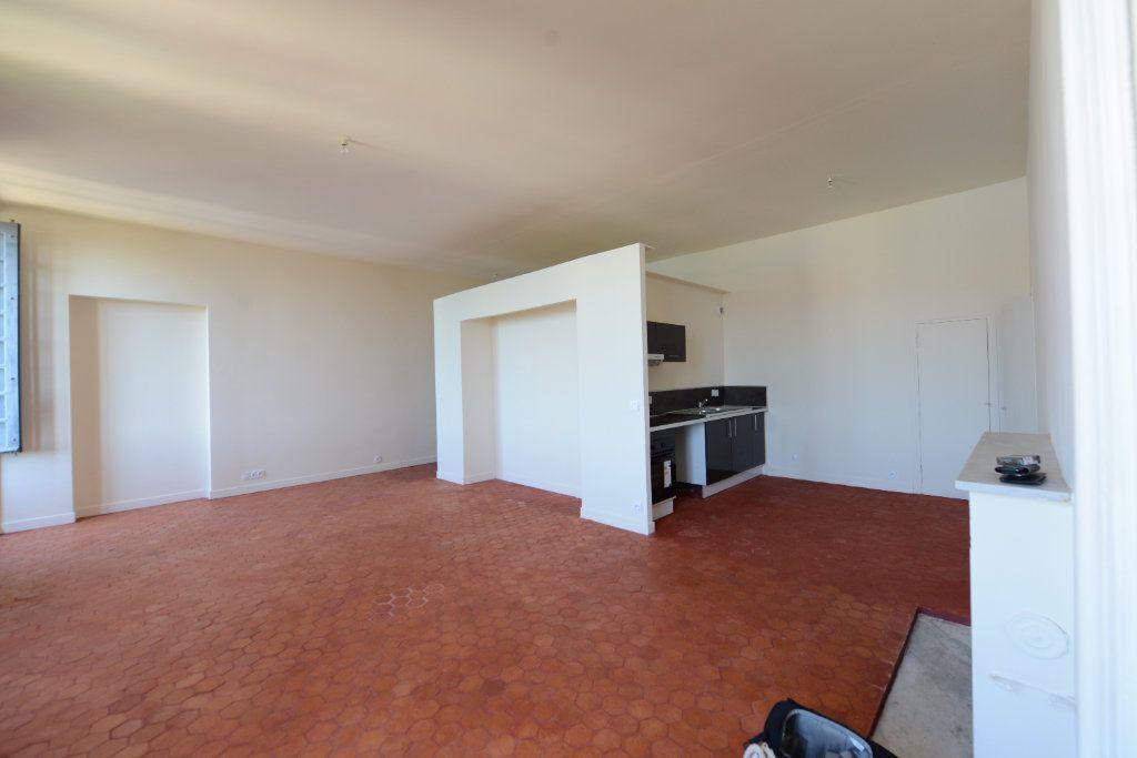 Appartement à louer 1 51m2 à Grasse vignette-1