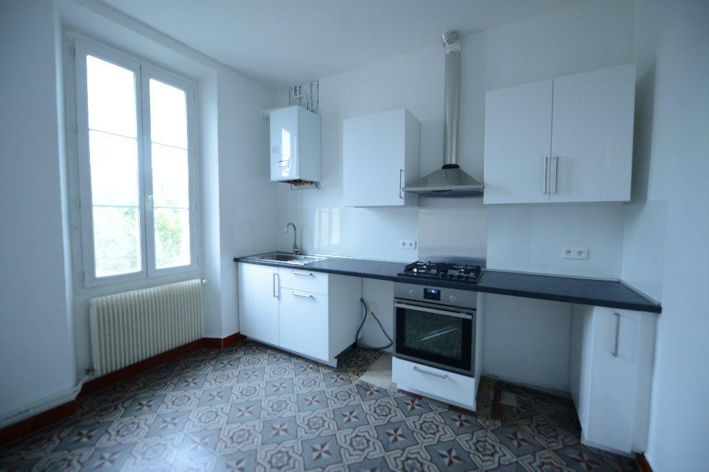Appartement à louer 3 66.39m2 à Mouans-Sartoux vignette-2