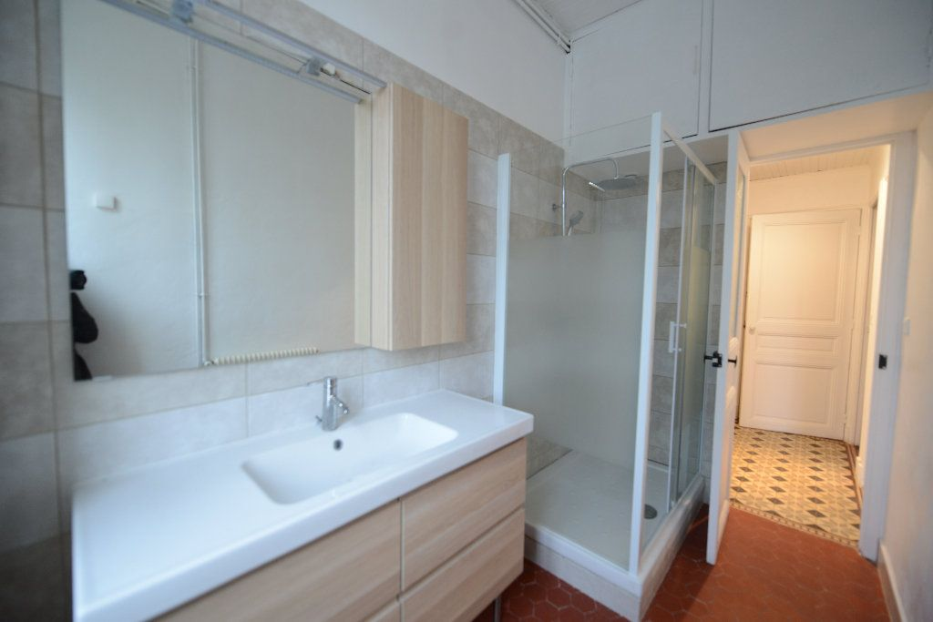 Appartement à louer 3 66.39m2 à Mouans-Sartoux vignette-6