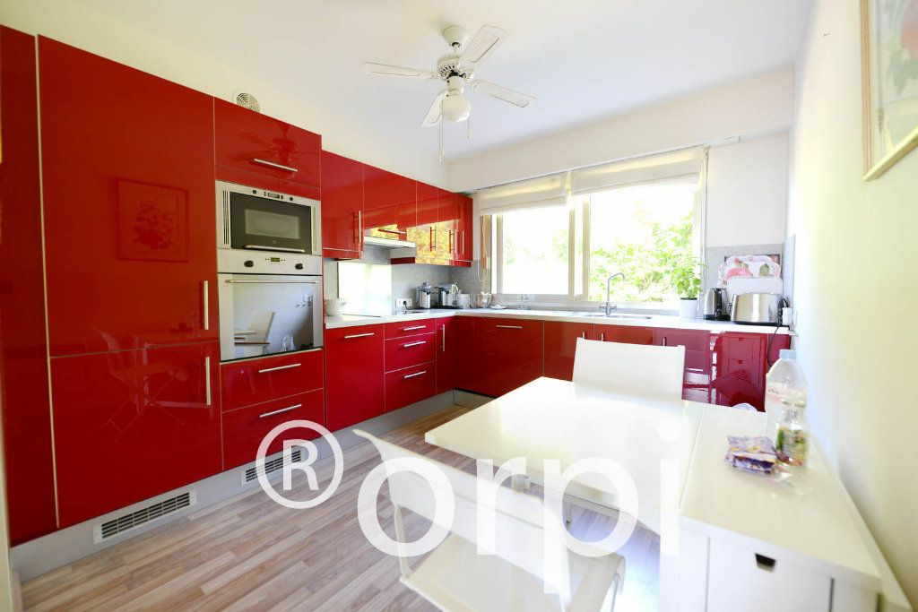 Appartement à vendre 4 103.51m2 à Grasse vignette-4