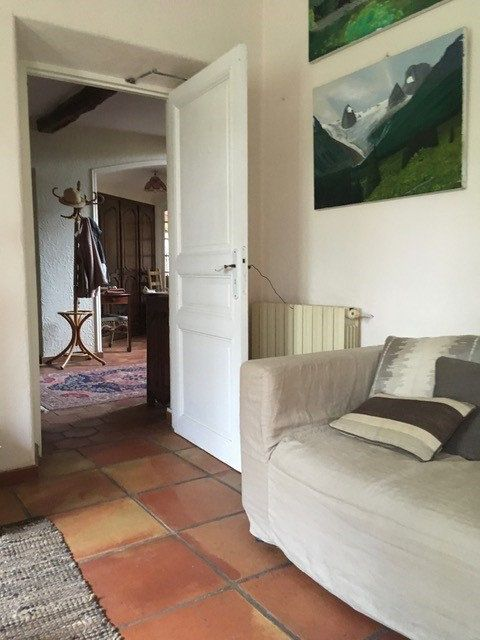 Maison à louer 5 214.95m2 à Mouans-Sartoux vignette-9