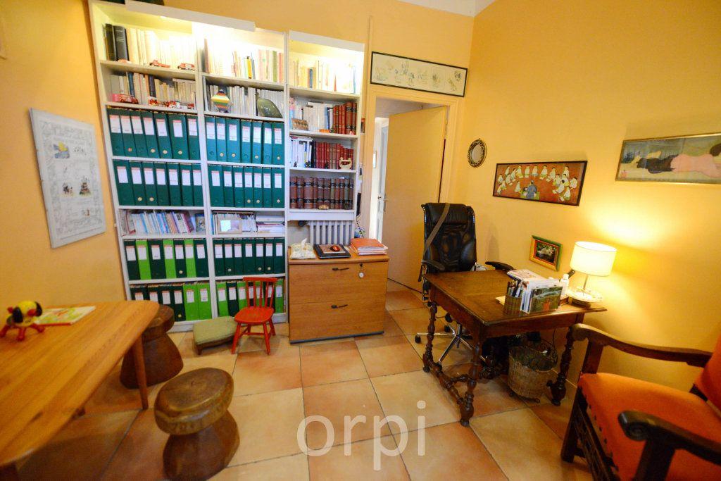 Maison à vendre 6 176.58m2 à Grasse vignette-6