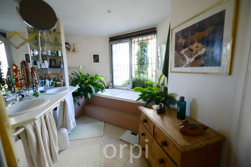 Maison à vendre 6 176.58m2 à Grasse vignette-15