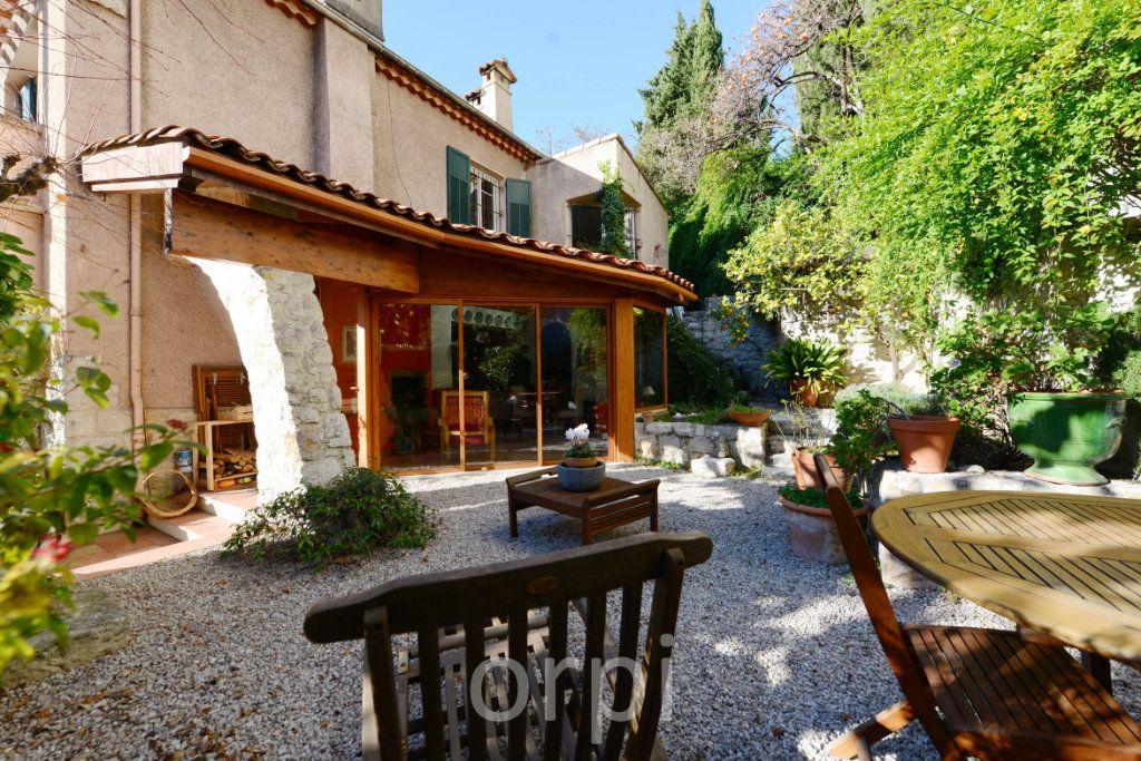 Maison à vendre 6 176.58m2 à Grasse vignette-16