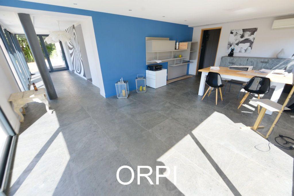 Maison à vendre 4 178m2 à Grasse vignette-9