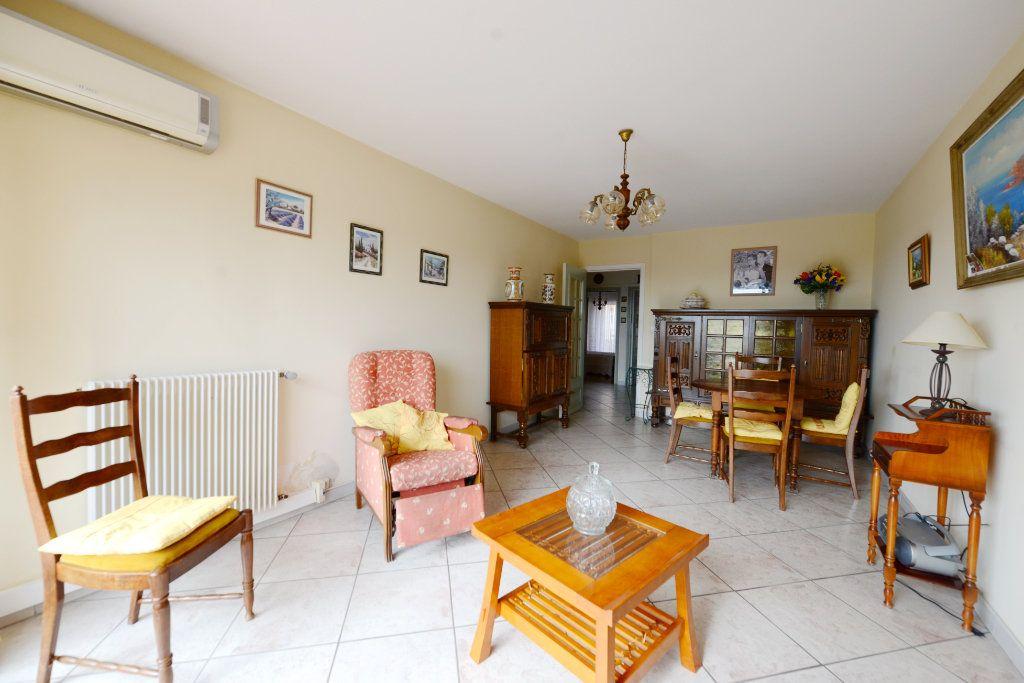 Appartement à vendre 3 62.41m2 à Grasse vignette-1