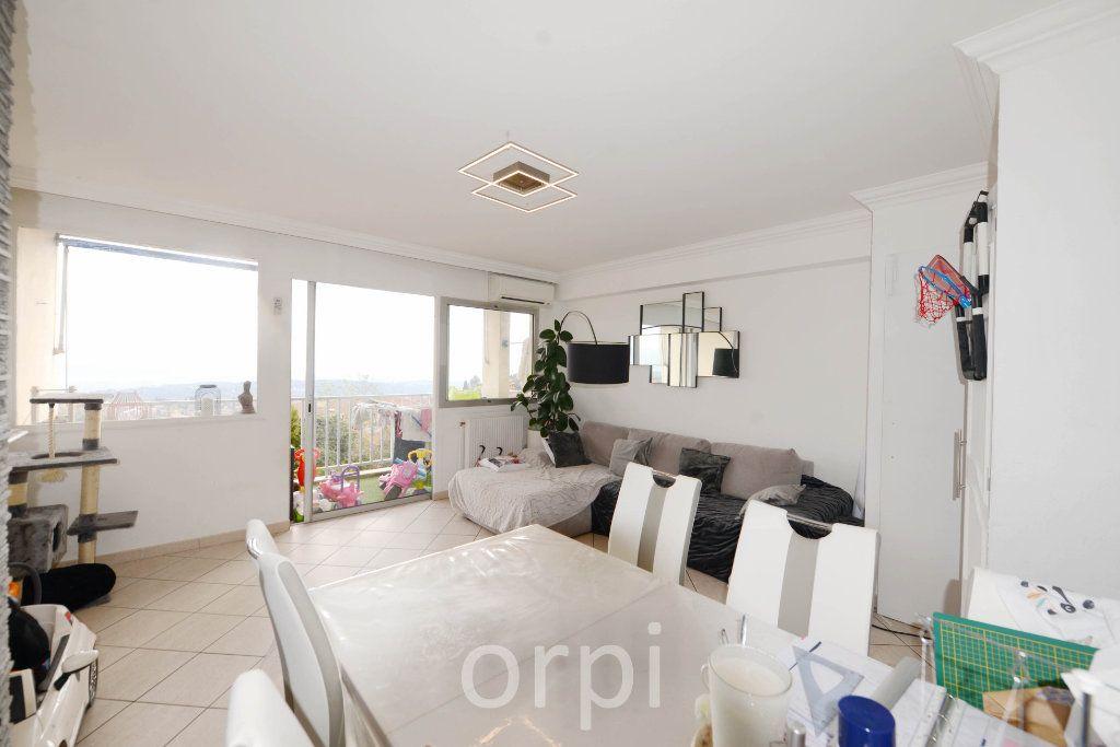Appartement à vendre 3 66.38m2 à Grasse vignette-1
