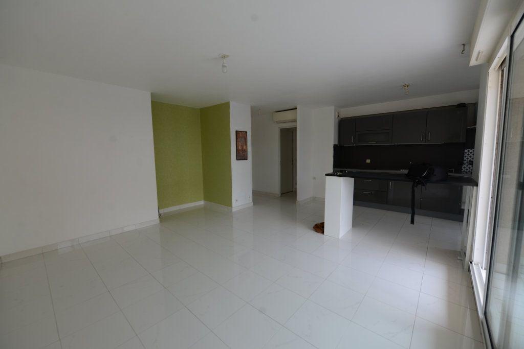 Appartement à louer 2 48.95m2 à Grasse vignette-1