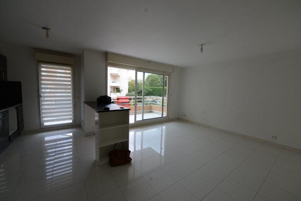 Appartement à louer 2 48.95m2 à Grasse vignette-2