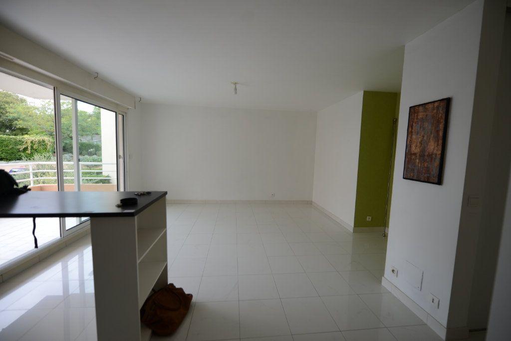 Appartement à louer 2 48.95m2 à Grasse vignette-3
