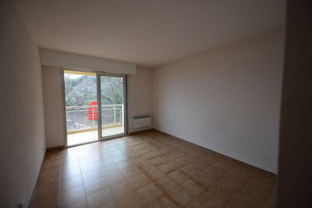Appartement à louer 1 27.19m2 à Grasse vignette-1