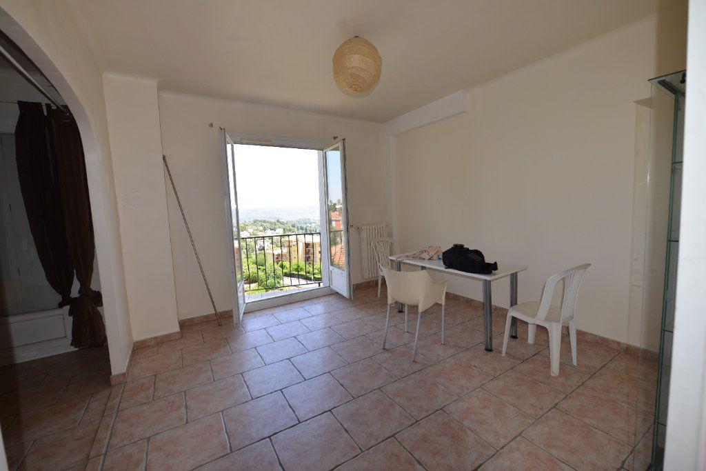 Appartement à louer 3 65m2 à Grasse vignette-4