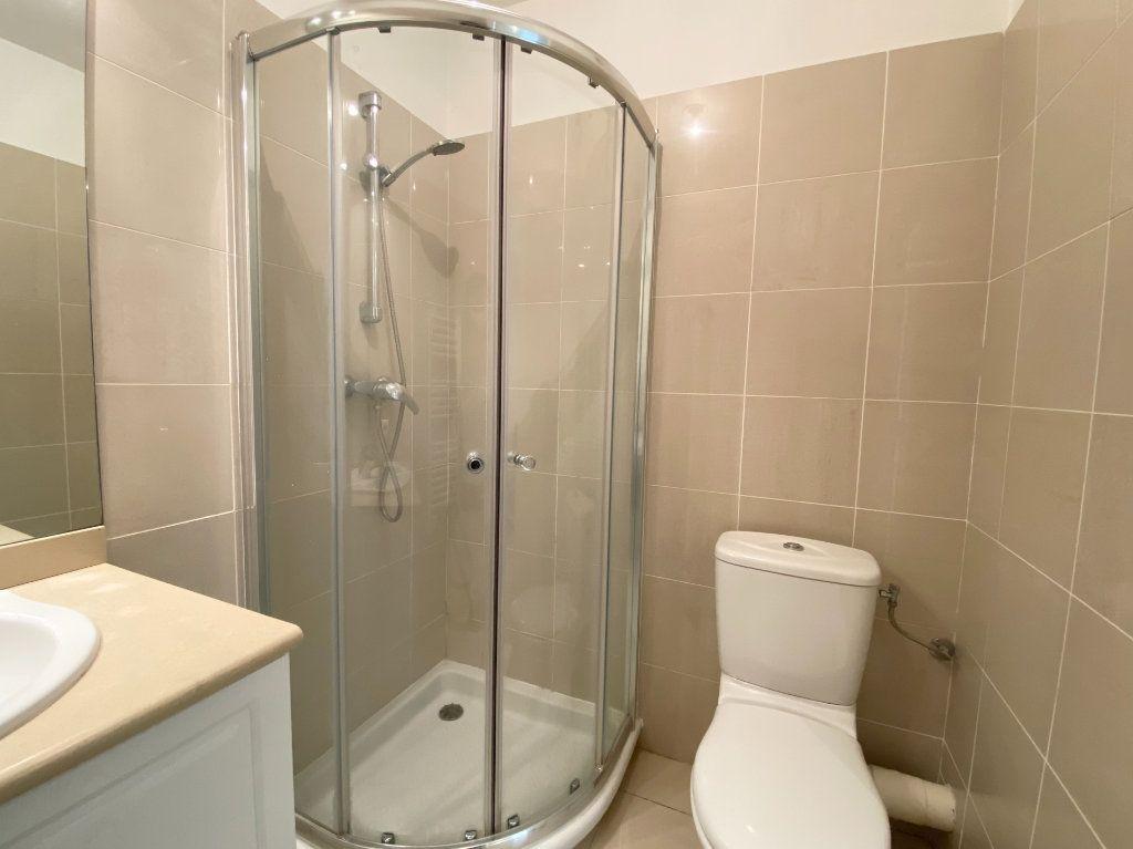 Appartement à louer 1 30.89m2 à Nice vignette-4