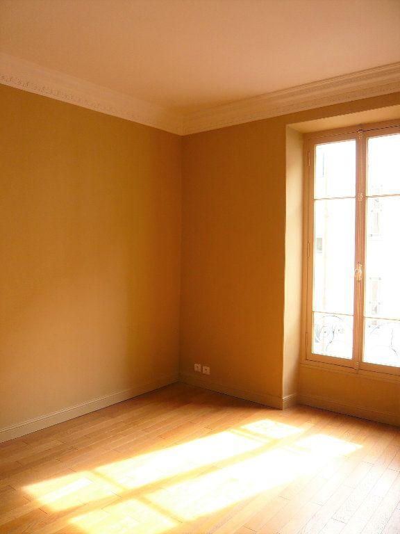 Appartement à louer 2 43m2 à Nice vignette-1
