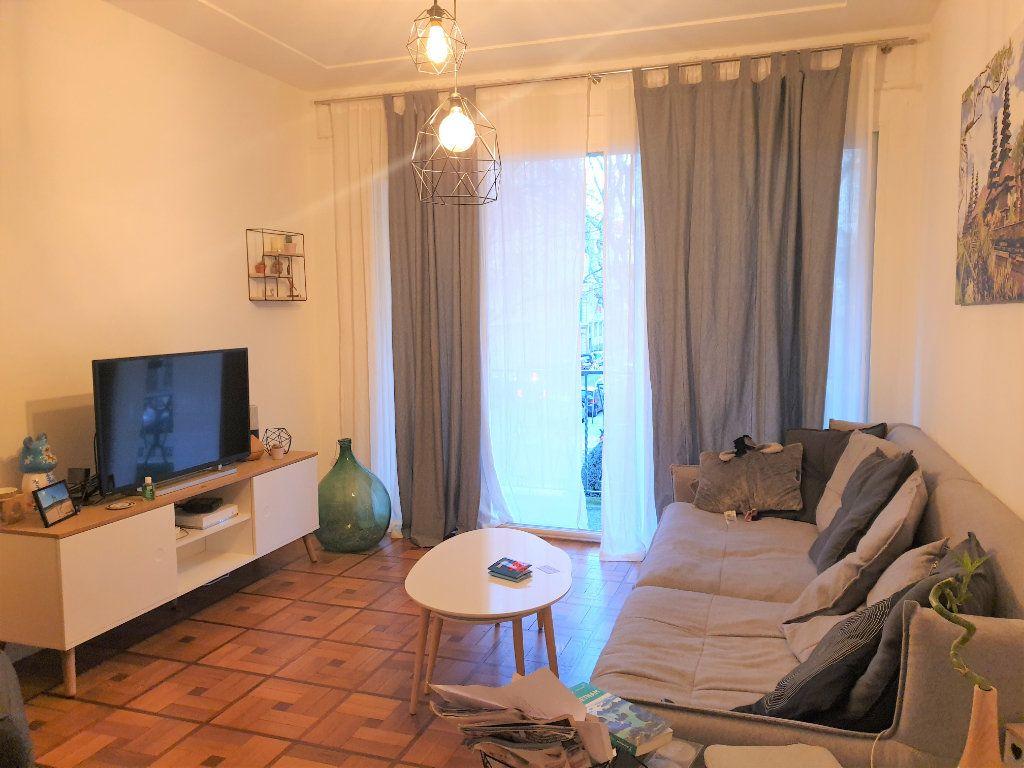 Appartement à louer 2 58.15m2 à Nice vignette-1