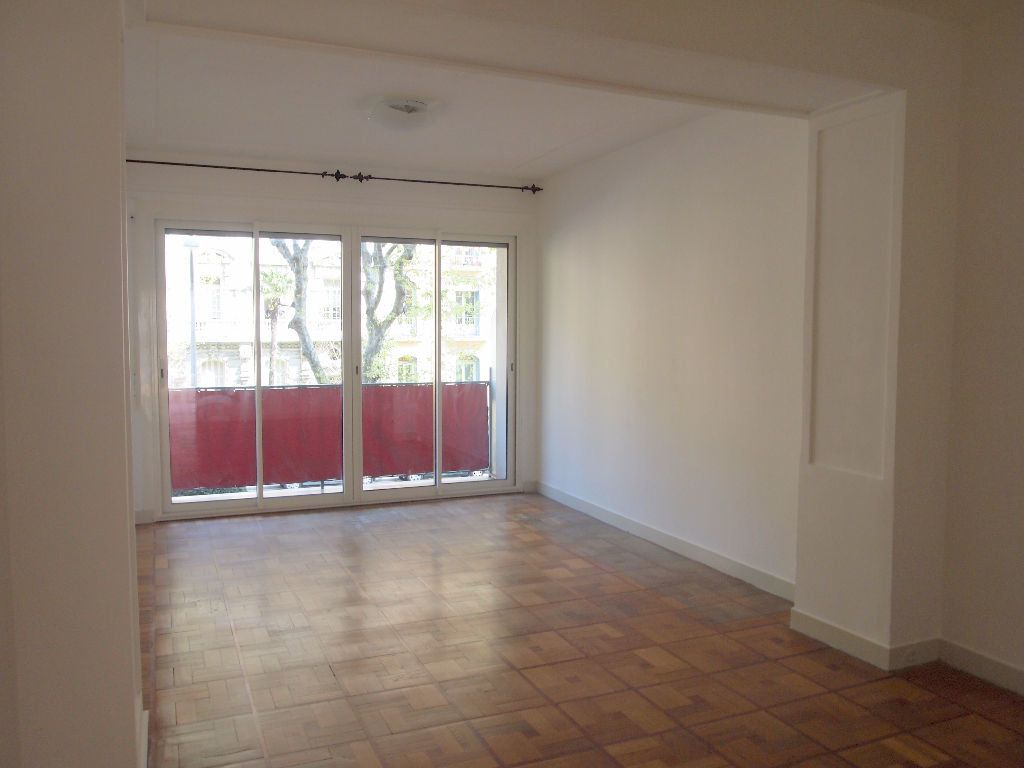 Appartement à louer 2 58.15m2 à Nice vignette-12