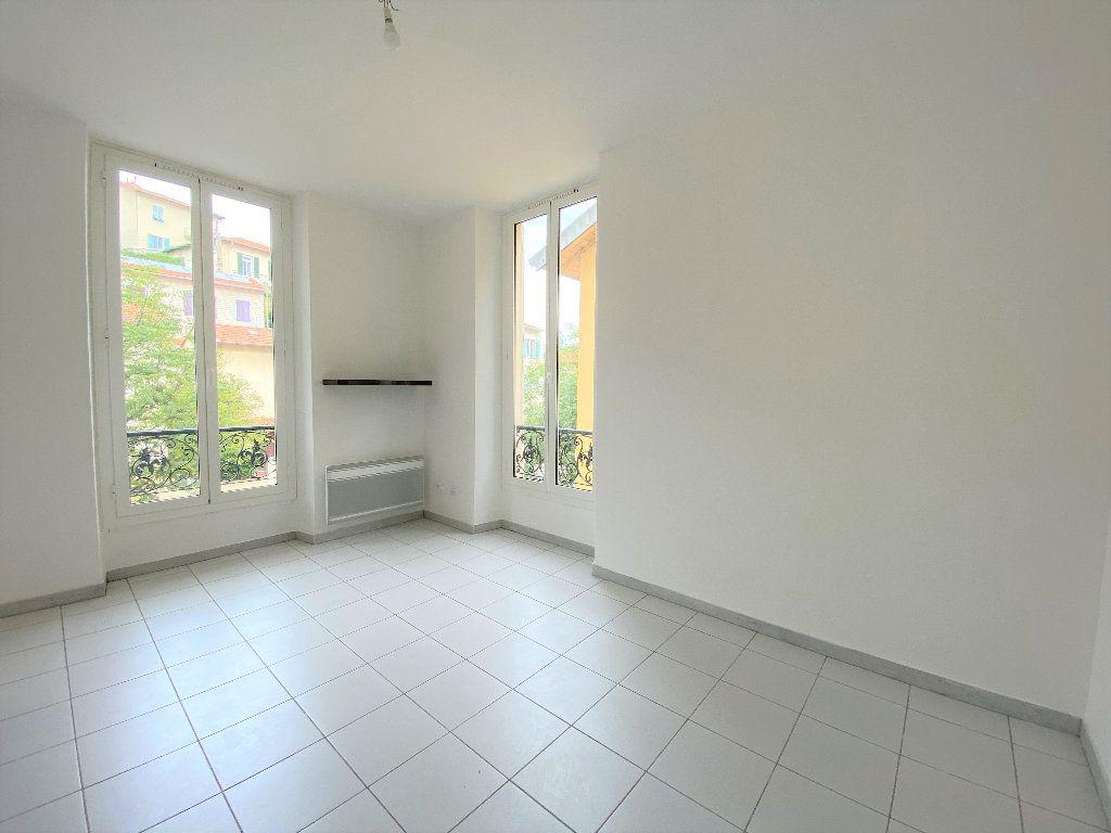 Appartement à louer 1 18.47m2 à Nice vignette-1