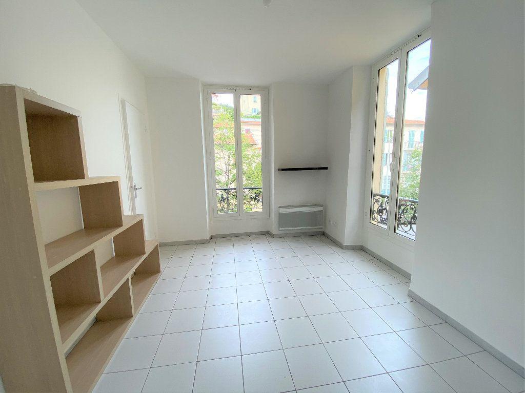 Appartement à louer 1 18.47m2 à Nice vignette-2