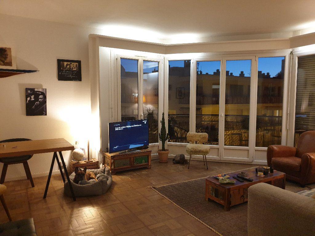 Appartement à louer 2 59.37m2 à Nice vignette-1