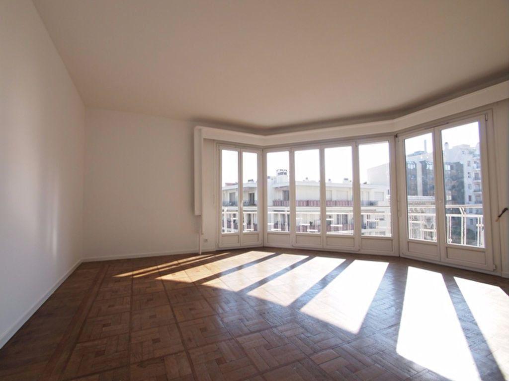 Appartement à louer 2 59.37m2 à Nice vignette-4