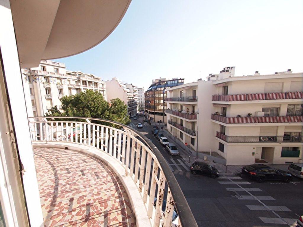 Appartement à louer 2 59.37m2 à Nice vignette-5