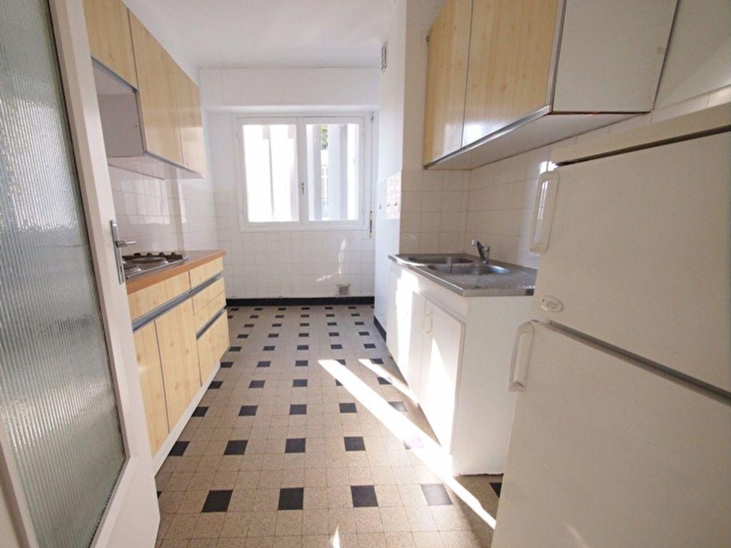 Appartement à louer 2 59.37m2 à Nice vignette-8