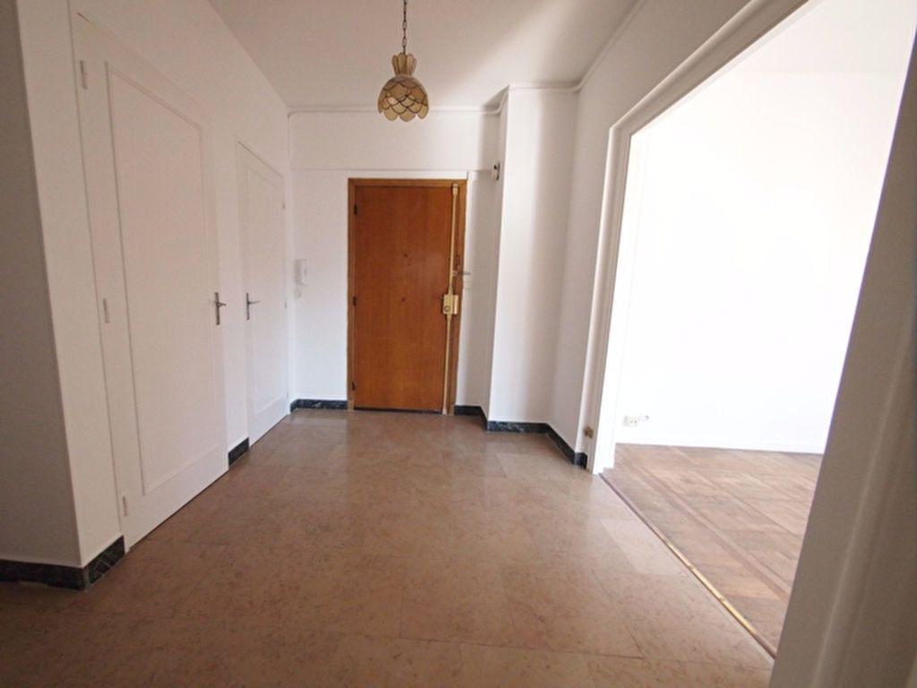 Appartement à louer 2 59.37m2 à Nice vignette-9