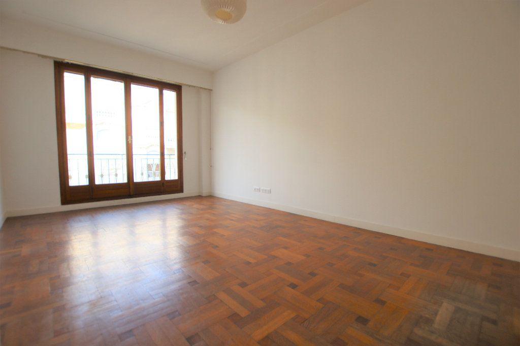 Appartement à louer 2 46.32m2 à Nice vignette-1