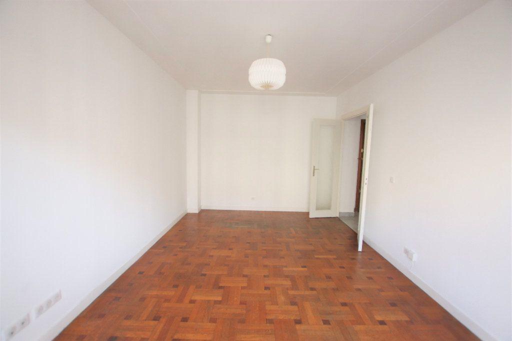 Appartement à louer 2 46.32m2 à Nice vignette-3