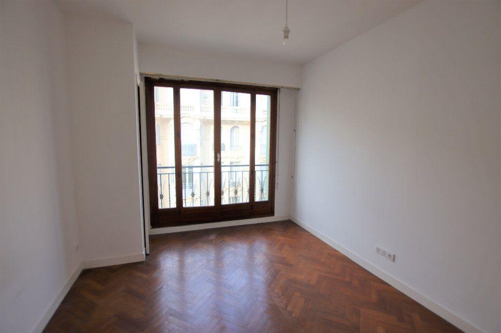 Appartement à louer 2 46.32m2 à Nice vignette-4