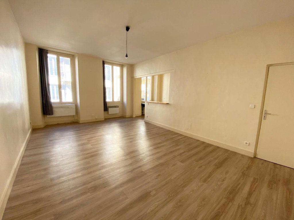 Appartement à louer 1 40.06m2 à Nice vignette-2