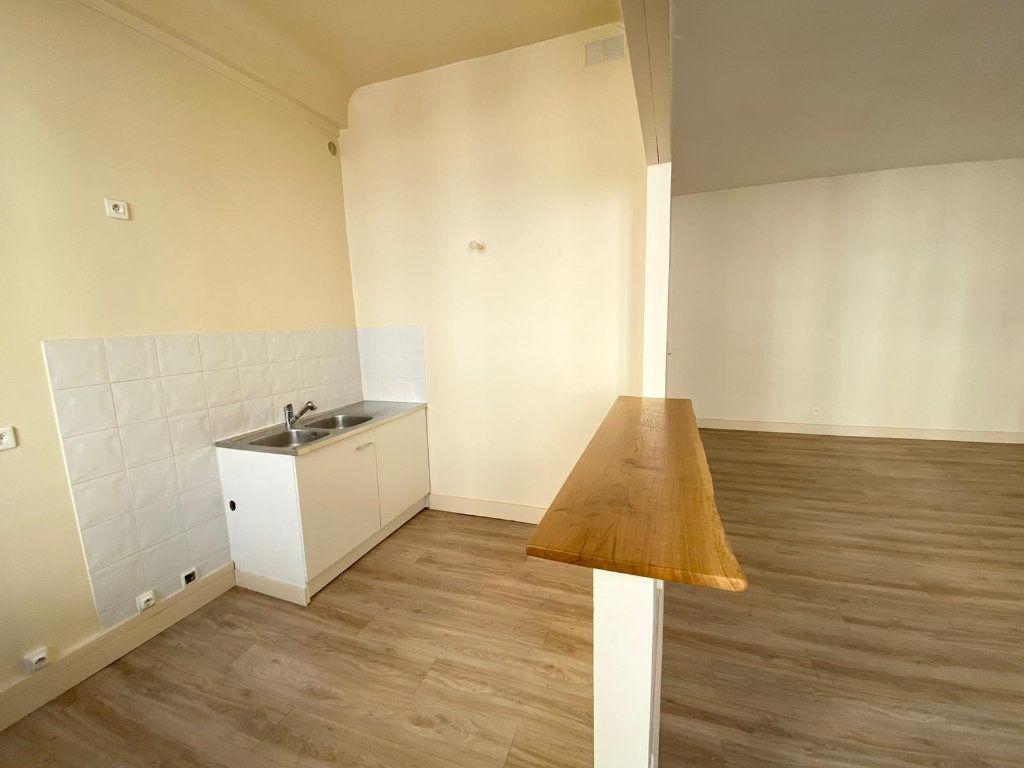 Appartement à louer 1 40.06m2 à Nice vignette-3