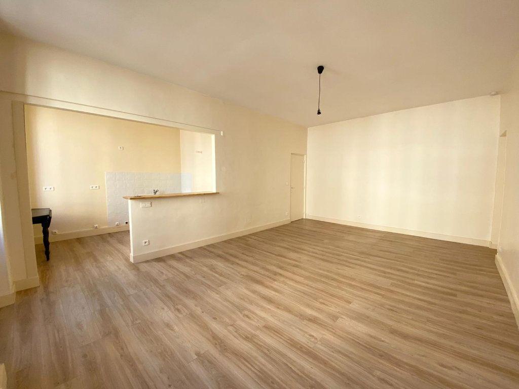 Appartement à louer 1 40.06m2 à Nice vignette-4