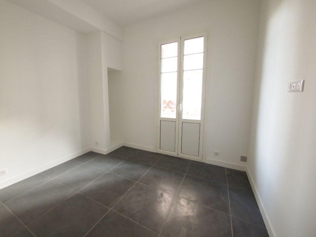 Appartement à louer 2 33.45m2 à Nice vignette-3