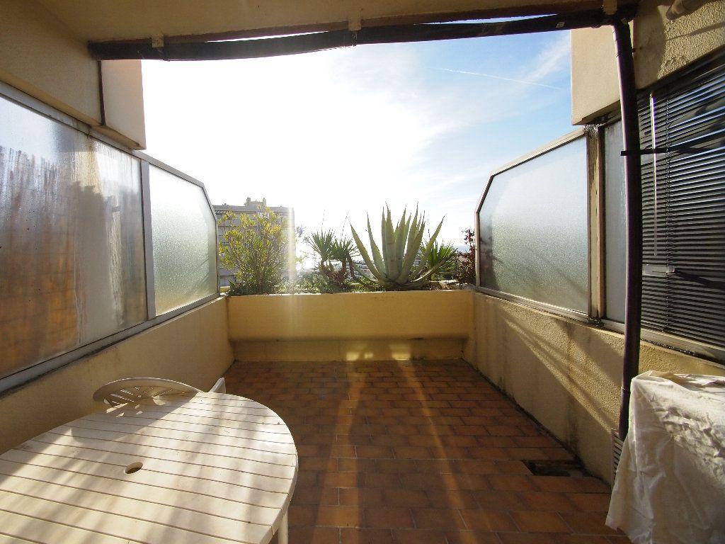 Appartement à louer 1 20.24m2 à Nice vignette-1