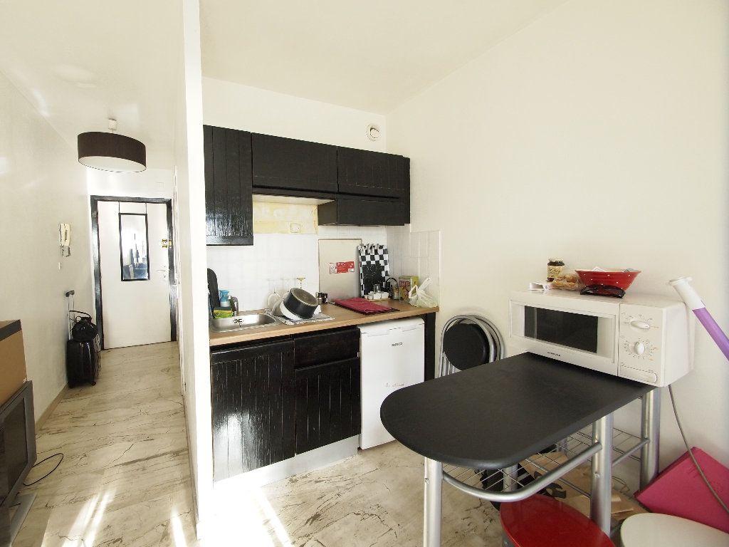 Appartement à louer 1 20.24m2 à Nice vignette-4