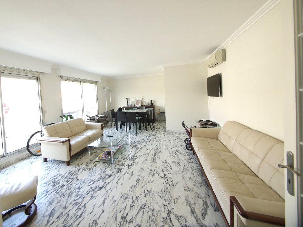 Appartement à louer 4 100m2 à Nice vignette-3
