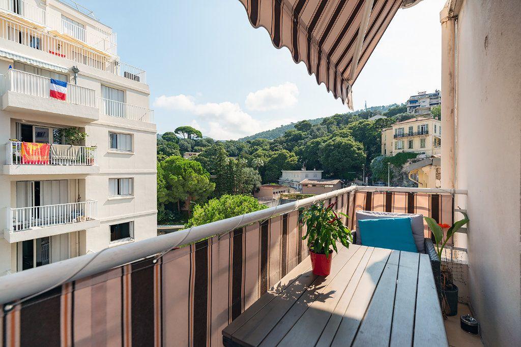 Appartement à louer 2 55m2 à Nice vignette-2
