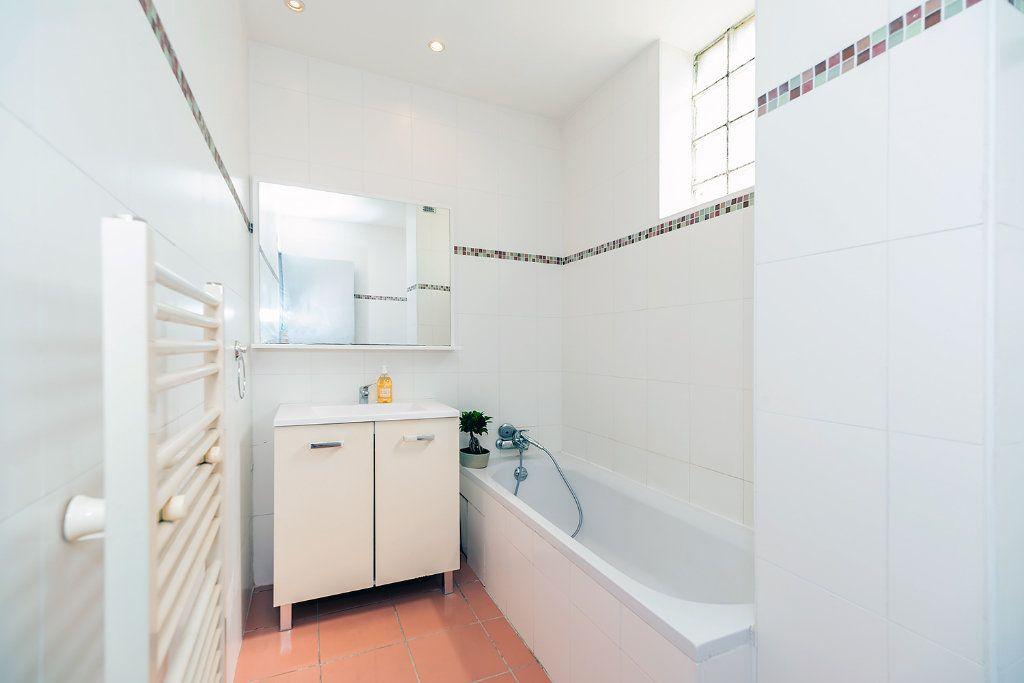 Appartement à louer 2 55m2 à Nice vignette-5