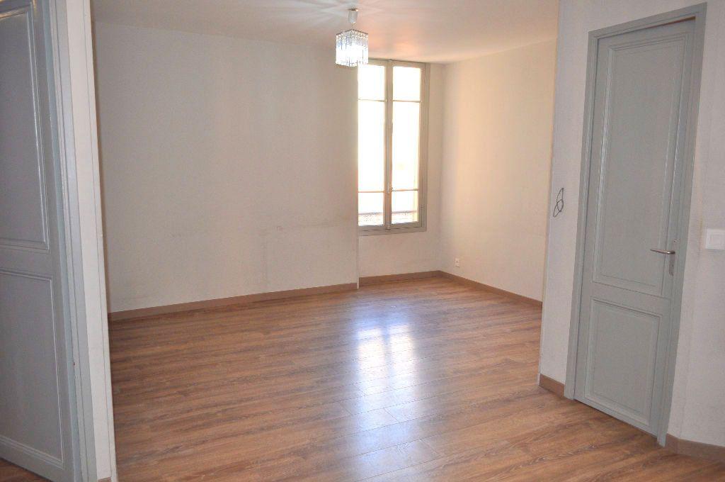 Appartement à louer 3 51.21m2 à Nice vignette-2