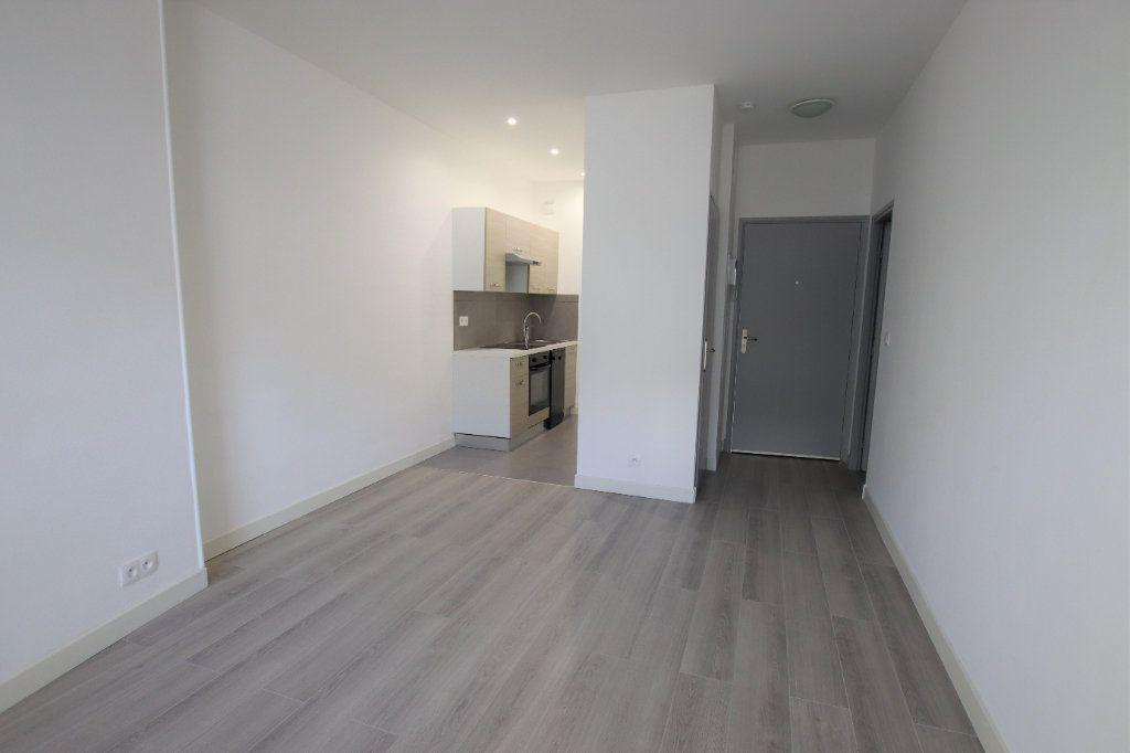 Appartement à louer 2 35.8m2 à Nice vignette-1