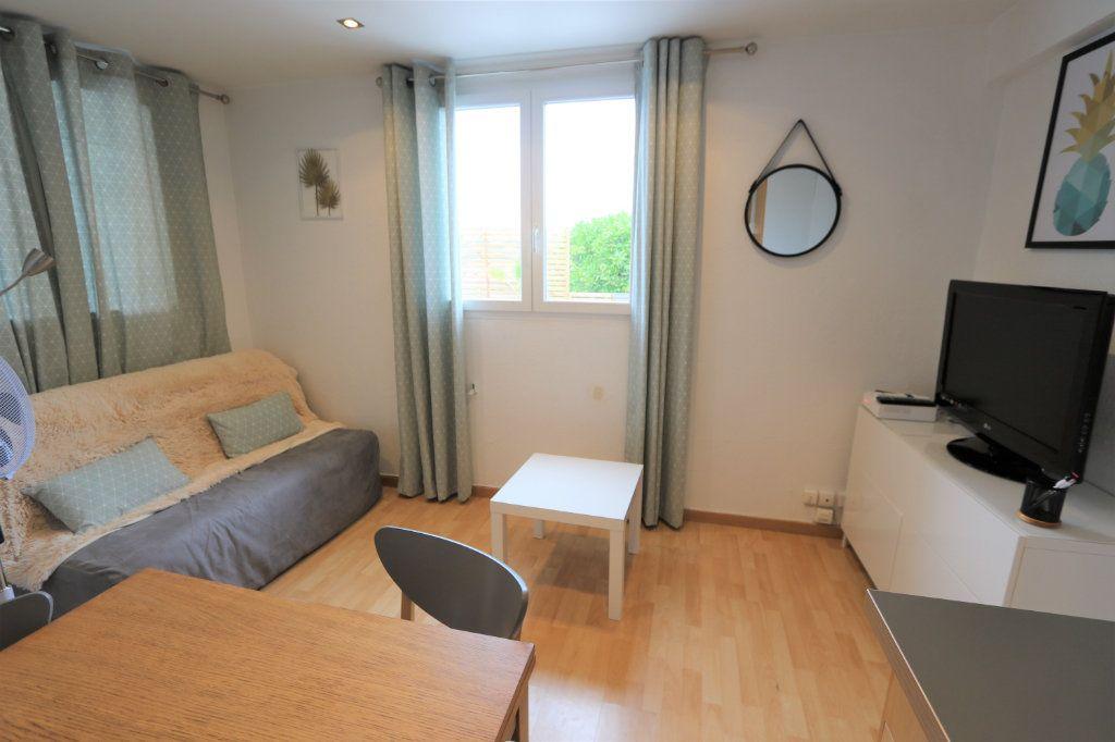 Appartement à louer 2 30m2 à Nice vignette-1