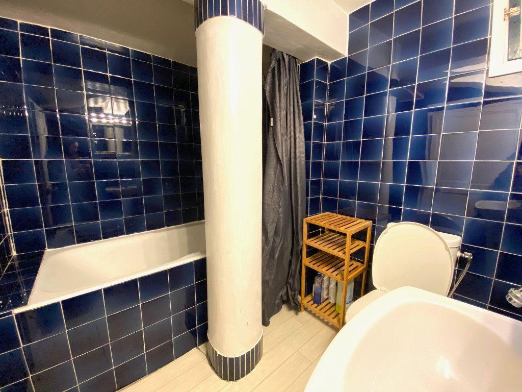 Appartement à louer 2 45.83m2 à Nice vignette-4